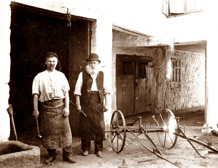 Bowdens Wheelwrights